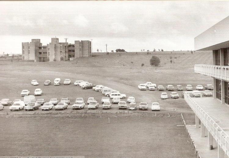Deakin 1977